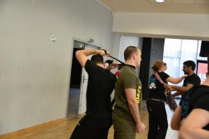 Stage défense face à agression au moyen d'une écharpe